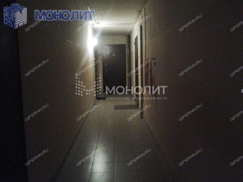 трёхкомнатная квартира на улице Вятская дом 1