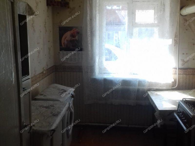 двухкомнатная квартира на улице Центральная посёлок при станции Суроватиха